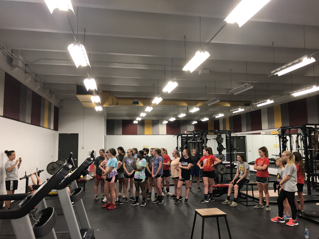Lady Hawks in weight room